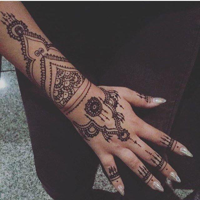 حناء حنتي حنه حنى حنايات حنايه نقش نقوش نقشات كشخه العيد صالون صالونات نقش الحنا ابوظبي دبي Hena 7en Hand Tattoos Hand Henna Henna Hand Tattoo