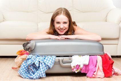 Préparez votre voyage en avion grâce à cette checklist : ce qu'il faut mettre dans son bagage en cabine, dans la valise en soute, les démarches à faire etc.