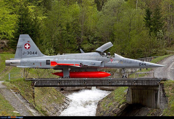 Northrop F-5E Tiger II Taxi in Swiss mountains