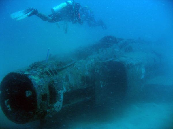 Submerged F-4: The Phantom of Subic Bay #war #relics