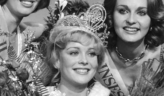 Also starring: The late Armi Aavikko who at her time was crowned Miss Finland 1977