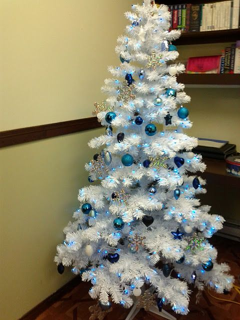Fantasy Theme Décor: White Tree With Blue Decorations