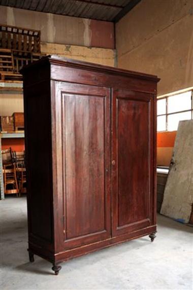 Interior design recupero armadio a due ante originale in legno con ripiani e cassetti interni in ottimo stato dimensioni: h 237 cm x 175 cm x 65 cm SESTINI E CORTI