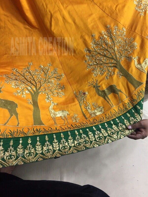 Concept for lehenga border
