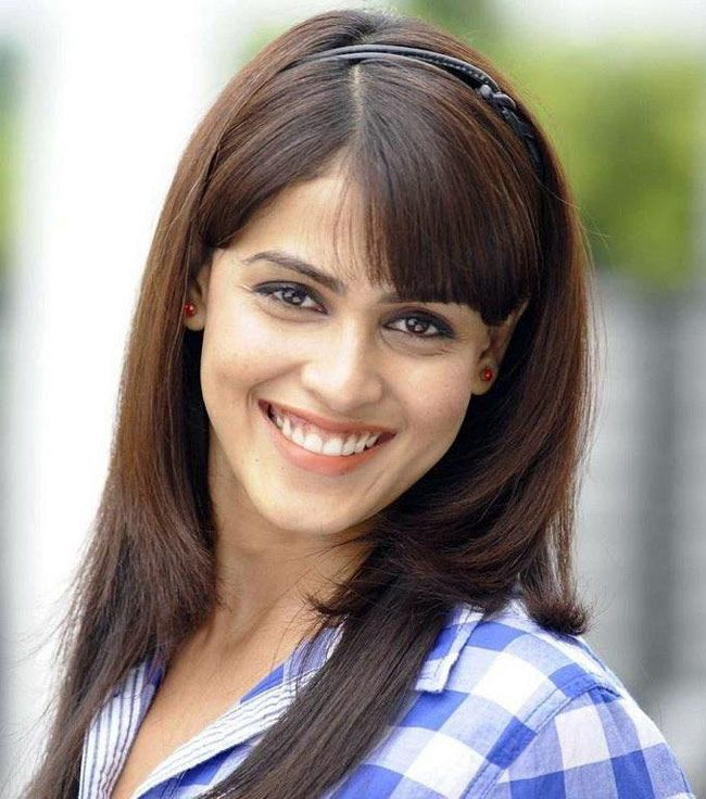 Genelia D'Souza Deshmukh #Style #Bollywood #Fashion #Beauty