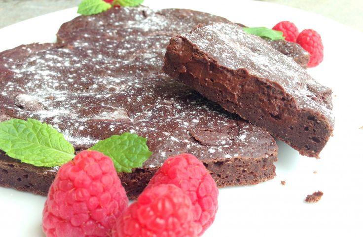 Rask og enkel oppskrift som alle kan få til. Kaka er sukkerfri, glutenfri o...