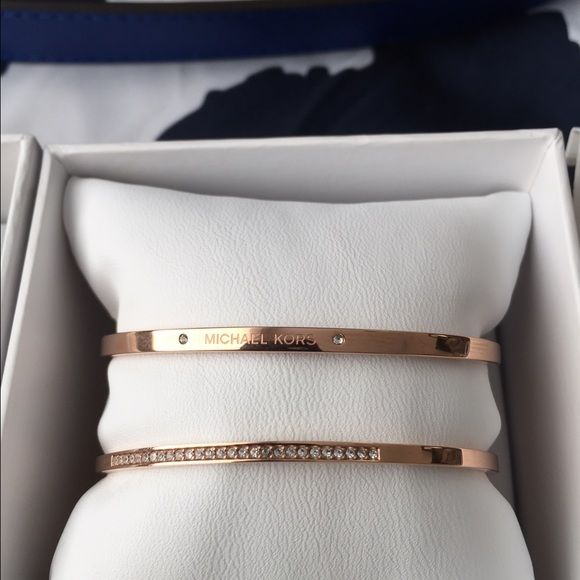 Authentic Michael Kors Rose Gold Cuff Set NWT- Michael Kors Rose Gold Cuff Set with Crystals. No Trades On ♏️ for my lowest! Michael Kors Jewelry Bracelets