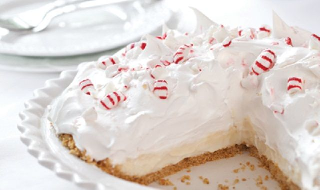 Peppermint White Chocolate Mousse Pie   Pies   Pinterest