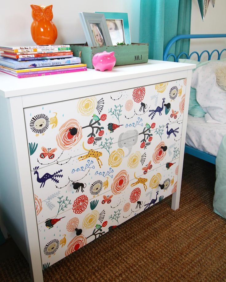 New peel and stick wallpaper video tutorial on @Wayfair today! I updated this cheap dresser in less than 30 minutes!! Link in profile!!