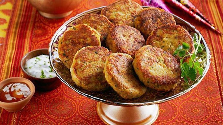 King of the Pakistani tea trolley is Shami kababs.  A Story Of Shami Kababs. The Shami brings a zing not just to the chai but the conversation to The Shami is the king of the tea trolley in Pakistan; may it be Eid or a casual drop-in at a friend's house, the delicious delight is always a hot accompaniment.  The word 'kebab' is said to originate from the Arabic language, but the Persians, Turks and central Asians also lay claim to it. It means to fry, burn or cook on a skewer through grilling…