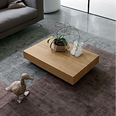 Wooden elegant 'Chrystal' coffee table. Low table, perfect for a modernly or classically furnished living room. My Italian Living.