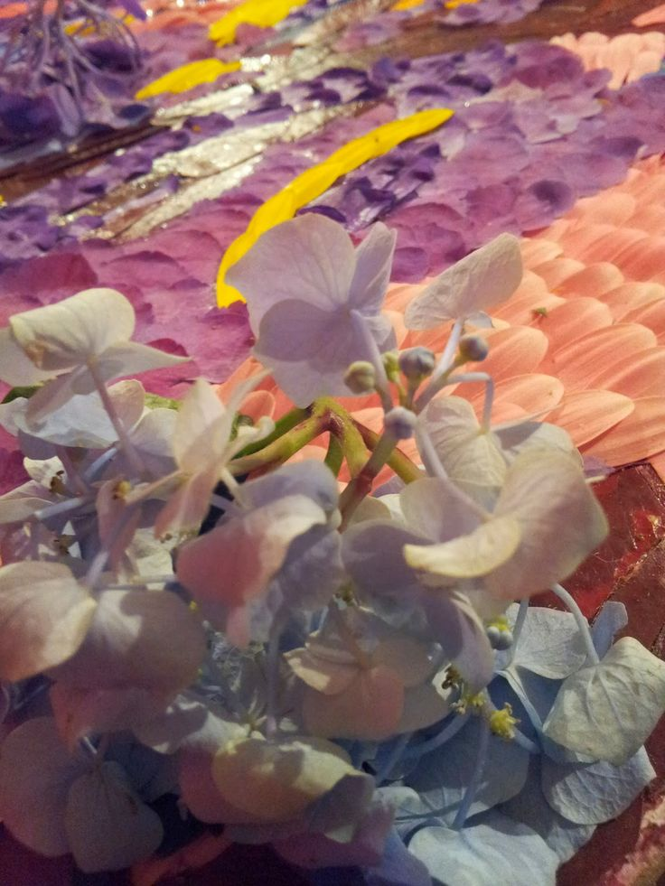 Festa dei Pugnaloni ad #Acquapendente #Viterbo. Quadri dipinti con petali di fiori