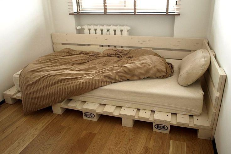 Картинки по запросу кровать из паллет с подсветкой