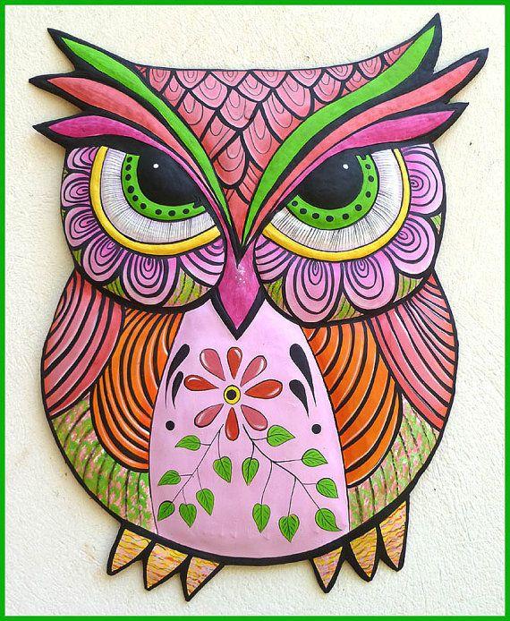 Metal arte de la pared, pintado Metal arte buho colgante, caprichoso diseño, Funky arte, arte haitiano, arte popular, Patio al aire libre decoración - J-352-PK