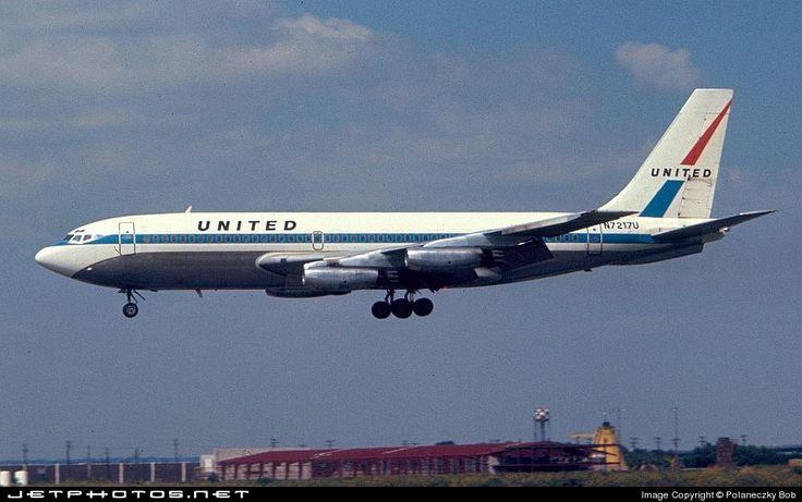 N7217U (CN: 18049) United Airlines Boeing 720-22 by Polaneczky Bob