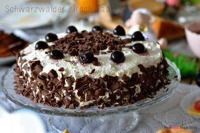 Deze heerlijke schwarzwalder kirsch taart had ik voor de Paasbrunch gemaakt en hij was zo lekker! Luchtige chocolade cake met heerlijke slagroom en kersen