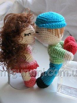 Amigurumi crochet kissing dolls. (Free pattern but not in English so…