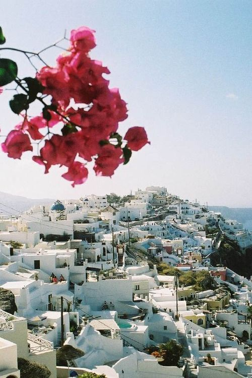I'm totally going  to Santorini, Greece this summer if everything works out. Graduation present!!!!!