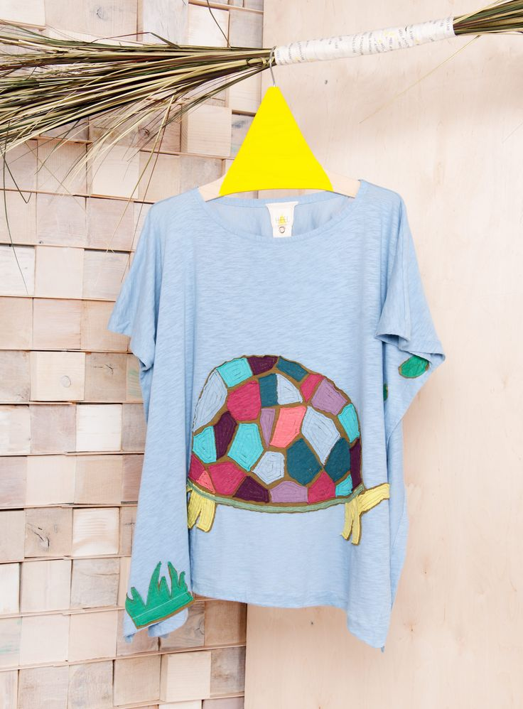 'Colorful turtle'. One and Only piece.  #heelathenslab #organiccotton #ecofriendly #turtle #inspiredbynature #applique #handmade #recycling #recyclingcollection #organicotton #weloveorganic