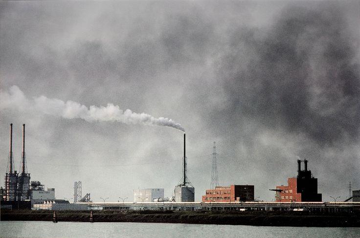Harry Gruyaert. Factories