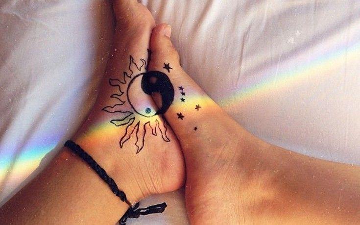 Τατουάζ για τα πόδια τα οποία έχουν μια ιδιαιτερότητα που τα να κάνει να ξεχωρίζουν