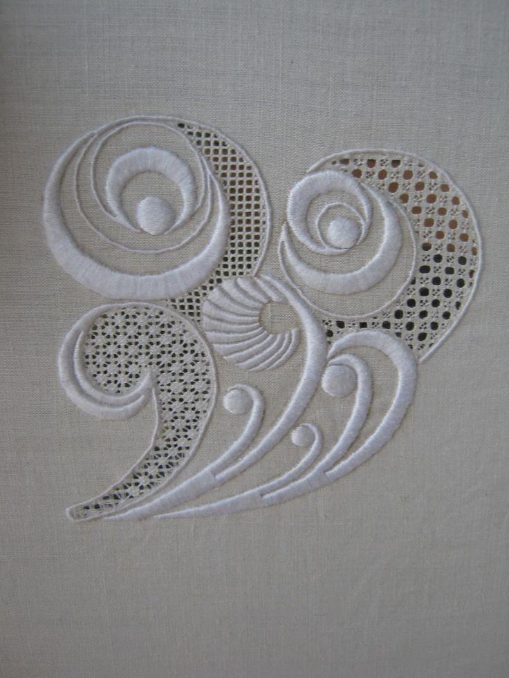 Le set avec le paon et le coin de serviette que j'ai présenté au concours du MOF 2011 .