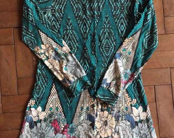 Camisa Vestido Cs1040 Kahelen R$65.00 Tam M Novo https://www.lojacafebrecho.com.br/produto/camisa-vestido-cs1040-kahelen