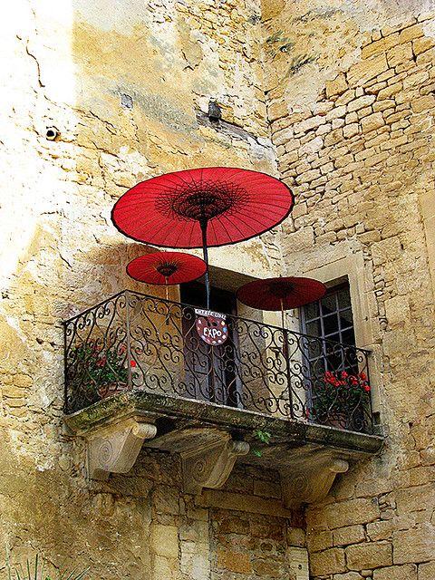 Sarlat, France by Bumpy Tours, via FlickrShades, Company Picnics, Summer Picnics, Balconies, Parties Stuff, Wrought Iron, France, Red Umbrellas, Places