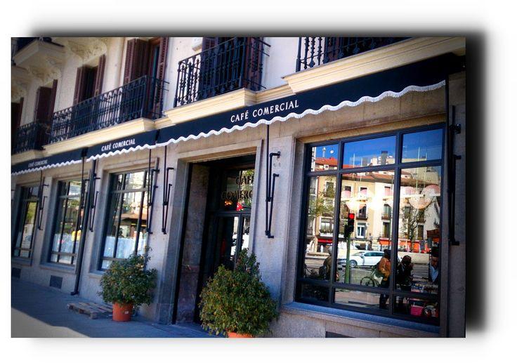 Reabierto el Café Comercial. Madrid recupera uno de sus locales clásicos literarios - https://www.actualidadliteratura.com/cafe-comercial-madrid-literario/