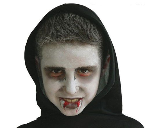 Trucco di Halloween per bambini: versione n.1 del vampiro