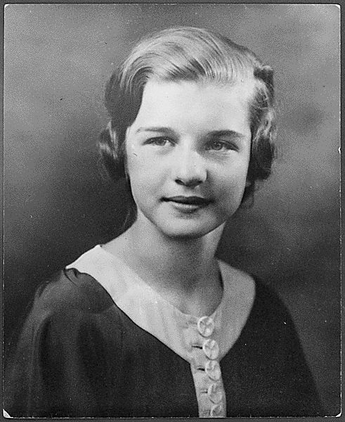This weekend marks what would have been First Lady Betty Ford's 94th birthday. Born Elizabeth Anne Bloomer on April 8, 1918, here's the future FLOTUS at age 14 in 1932.