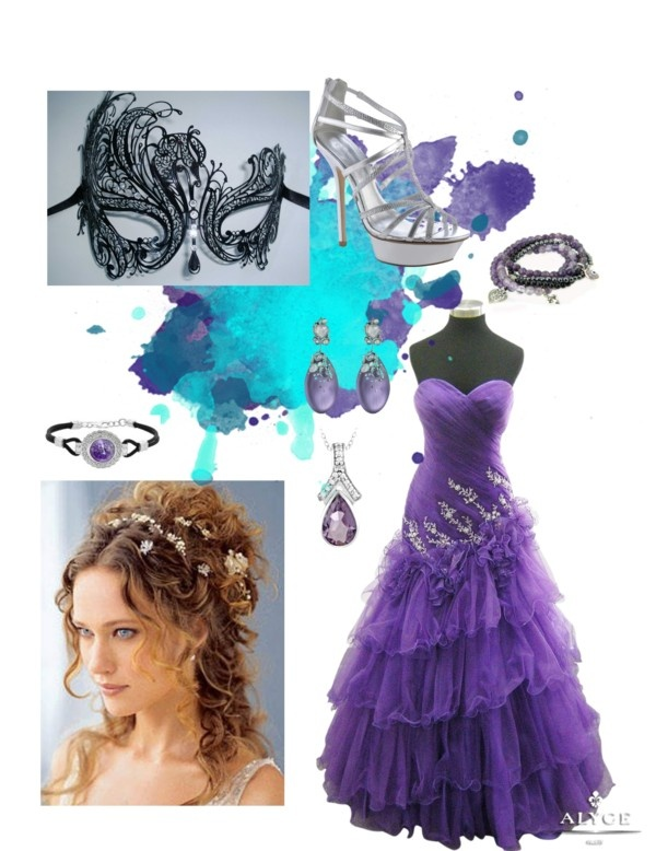 If I ever get to go to a Masquerade Ball, this would be the way to go!
