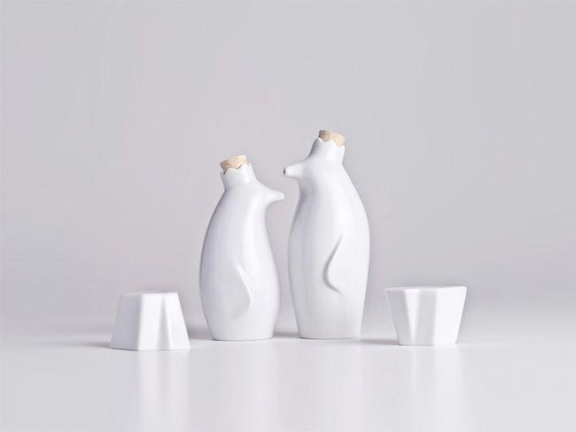 Oil & Vinegar Penguins with Salt & Pepper Icebergs: Salts Peppers Shakers, Penguins Oil, Holaria Stores, Oils, Penguins Sets, Penguins Salts, Pinguim Reis, Industrial Design, Ceramics Tableware