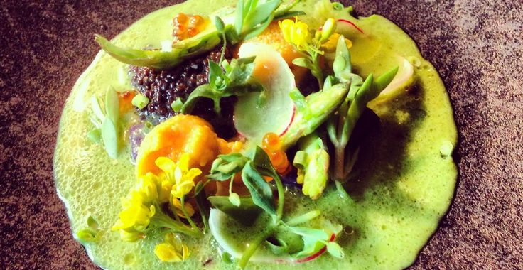 Grilled and chilled asparagus soup, uni, caviar - Chef Jonas Offenbach