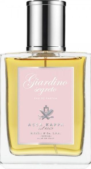 GIARDINIO SEGRETO ist ein verführerisches und facettenreiches Parfum für sie.Wertvolle ätherische Öle und die harmonischeKombination aus Blütenextrakten, Gewürzen und Holzessenzen, geprägt von der Provence-Rose aus Grasse machen diesen Damenduft aus.