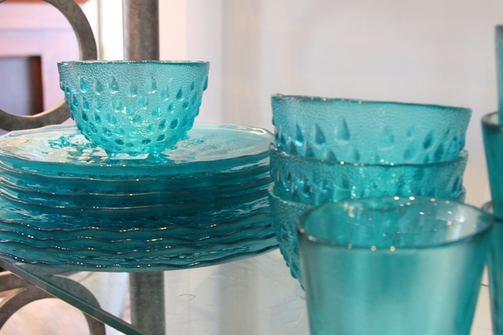 turquoise glass dishes i love glass pinterest glass dishes turquoise glass and dishes. Black Bedroom Furniture Sets. Home Design Ideas