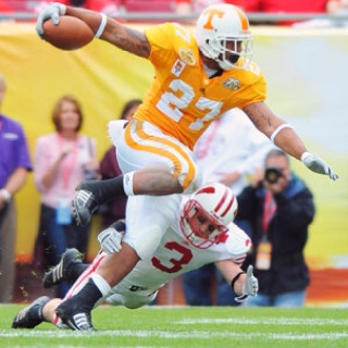 Tennessee Volunteers - Arian Foster. #Vols www.RollTideWarEagle.com Sports stories that inform and entertain plus FREE football rules tutorial, check it out.