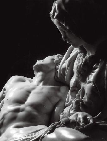 """""""La Pietà"""" di Michelangelo Buonarroti, marmo - 1497-1499, Basilica di San Pietro in Vaticano, Roma"""