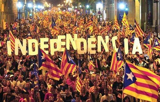 Catalogna: largo successo dei sì al referendum simbolico per l'indipendenza