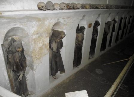 Oria la cripta delle mummie