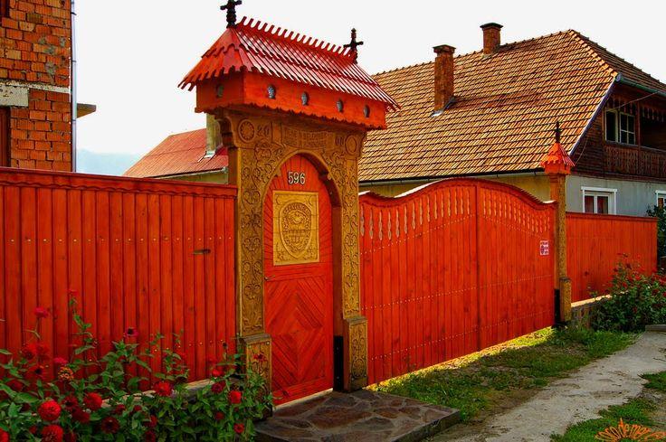 Korondi székelykapu, Photo by Gergely Csíky / Korond, Székely Land, eastern Transylvania