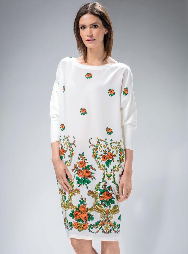 #Biała #sukienka z #góralskim motywem ludowym,#oversize.  #stylgóralski #modaludowa #moda #fashion #mapepina #etno #ludowo #artfolk #polskifolklor #madeinpoland #polscyprojektanci #polishdesign #motifflower #black #red #fashion #stylish #stylowo #folktrends #dresses