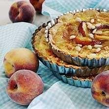 Portionspajer med chèvre, persika och honung - Recept - Tasteline.com
