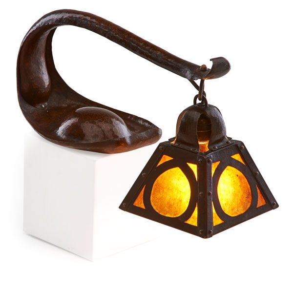 Dirk Van Erp Rare and early cobra lamp, San Francisco, CA, 1911-15 Hammered copper, mica, single socket