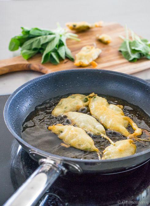 Salvia fritta – Frittierte Salbeiblätter. Ein schnell gemachter Snack aus Italien, den man unbedingt ausprobieren sollte!