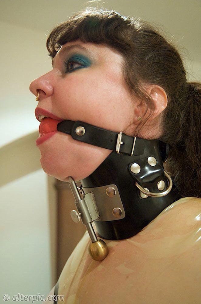Love watch heavy steel bdsm collar choke