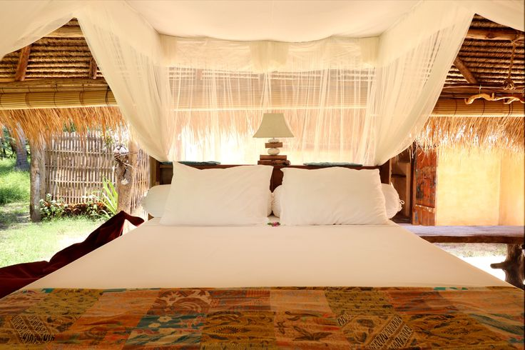 Nothing like fresh sheets after a snorkel and shower! 🛏☁  #jumpin #cozy #bed #freshsheets #bale #ecolodge #mosquitonet #openliving #batik #lamp #closetonature #eperience #lodge #travelblog #exploringtheworld #travelbloggers #lifewelltravelled #livethelittlethings #ecofriendly #islandlife #travelgram #ecoconscious #traveldiaries #outdoorliving #naturalmaterial #livingsmall #thesimplethings #lodgelife #lifewelltravelled #interiorstyling