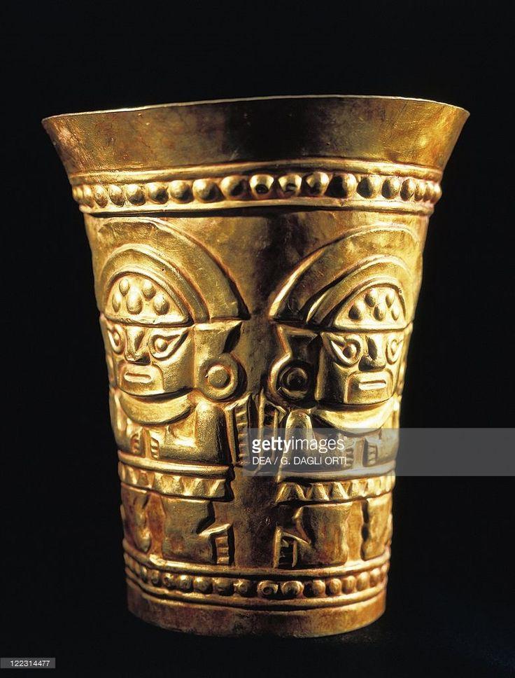 Pre-Inca civilization, Peru, 14th century. Chimu civilization. Golden vase with reliefs. From the Lambayeque treasure.