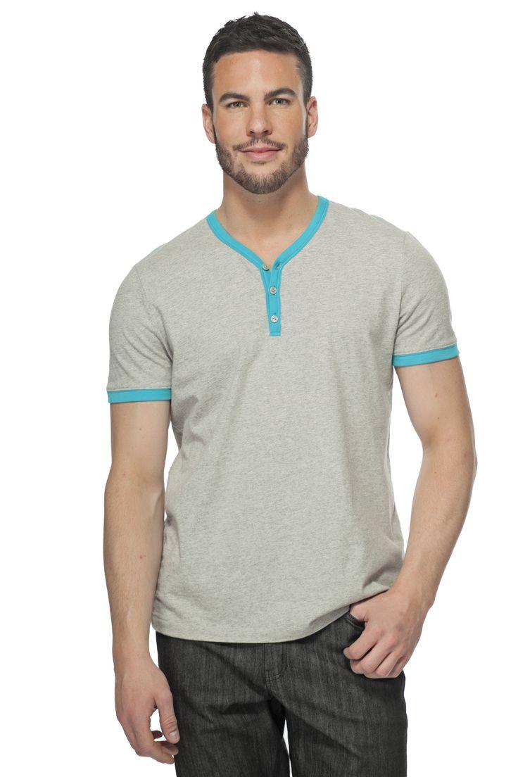 T-shirt bicolore à encolure henley / Bicolor henley T-shirt https://www.tristanstyle.com/en/men/t-shirts/bicolor-henley-t-shirt/34/hv020d0764z/ #tristanstyle #ss15