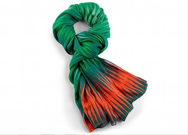 Kipling Viscose Scarf http://mhateria.it/it/sciarpe/53-kipling-foulard-donna-con-fantasia-viscose-scarf-k0004437j-misure-90-x-180-cm-00151-sciarpe-20.html